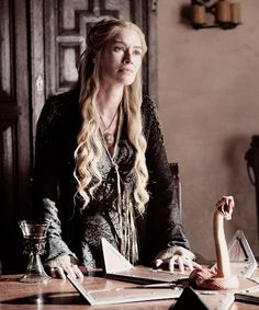 Cersei Lannister - The House of Black and White - Season 5 Episode 2
