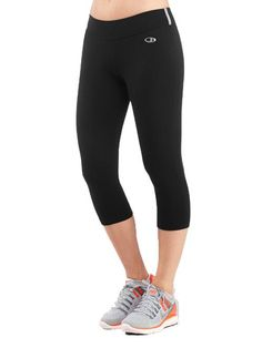 The features are all about performance, but the design is streamlined and sexy: The Rush tights are made from stretchy midweight jersey fabric for running, the gym and other fitness activities. Fit Women, Women Wear, Gym Clothes Women, Fitness Activities, Lady Grey, Frye Boots, Outdoor Outfit, Tight Leggings, Running Women