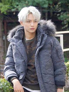 [Vyrl] SHINee: SHINee Minho ☃ transformed into a winter style man # At November in time to enjoy the gentle charisma Minho Cooked in an all-round sportsman Choi Min Ho, Incheon, Seungri, Bigbang, Taekook, K Pop, Minho Jonghyun, Taehyung, Rapper
