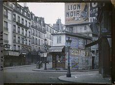 Angle des rues Puget, Lepic et du boulevard de Clichy par Georges Chevalier ©Musée Albert-Kahn - Département des Hauts-de-Seine