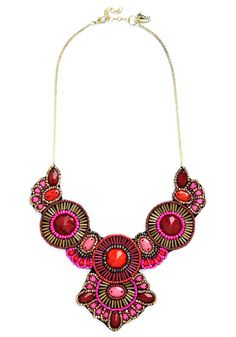 Medallion Marvel Necklace in Pink | Mod Retro Vintage Necklaces | ModCloth.com