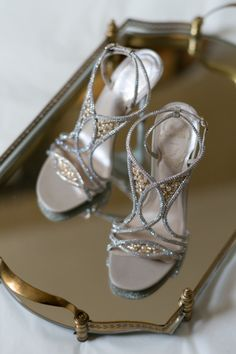 Chic shoes: http://www.stylemepretty.com/little-black-book-blog/2015/04/13/glamorous-rosecliff-mansion-summer-wedding/ | Planning: Details with Love - http://detailswithlove.com/