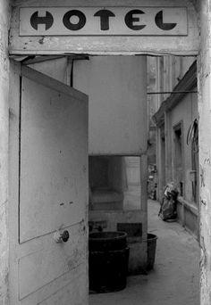 1972 - Belleville démoli - Paris Unplugged Menilmontant Paris, Belleville Paris, Old Paris, Before Us, Belle Photo, Black And White Photography, Paris France, Abandoned, Travel Inspiration