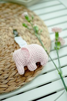 Handmade and beautiful: Elephant carriage toy. Crochet Baby Mobiles, Crochet Elephant, Baby Rattle, Transport, Softies, Nursery Ideas, Elephants, Baby Toys, Crochet Projects