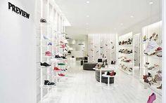In-between Design Office Window Display Design, Shoe Display, Shop Window Displays, Shop Interior Design, Retail Design, Store Design, Diy Design, Store Interiors, Ideas