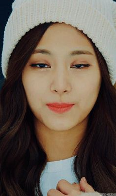 Xuất hiện nữ thần tượng đẹp đến nỗi được cả nữ hoàng quyến rũ Kpop Lee Hyori mê mẩn - Ảnh 10.