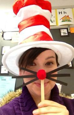 Cat in the hat art activity. Dr. Seuss birthday idea.