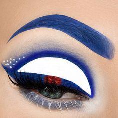 R2D2 inspired eye makeup #R2D2 #R2D2makeup #starwars #starwarsmakeup #makeup