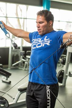 Hang cleans, epic eccentrics, and Tabata-style reps make Craig Capurso& shoulder blast one you won& forget. Strap in, and prepare for a hard hour! Fun Workouts, At Home Workouts, Workout Ideas, Big Shoulders, Arms, Shoulder Workout, Training Tips, Training Workouts, Muscle Groups