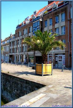 Le Quai du Wault à LILLE, ancien port de commerce de la ville.