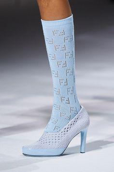 Winter Fashion Outfits, Fashion Week, High Fashion, Fashion Show, Fashion Trends, Fendi, Knitwear Fashion, Fashion Socks, Runway Shoes