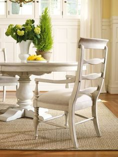 Harbour Pointe Round/Oval Pedestal Dining Table, Hooker Furniture, Harbour Pointe