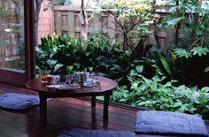縁側 Japanese Fence, Japanese Garden Design, Japanese Interior, Japanese House, Modern Interior, Interior Styling, Zen Style, Style Japonais, Japanese Architecture