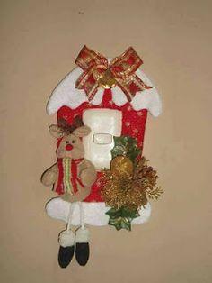 Christmas Yard Art, Christmas Time, Christmas Crafts, Christmas Ornaments, Little Bit, Felt Ornaments, Light Switch Covers, Xmas Decorations, Felt Crafts