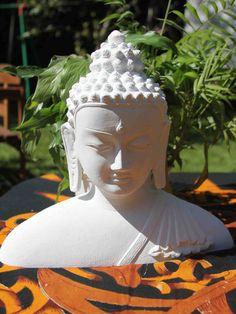 Buddha Figur  Steinguss Deko für Wohnung und von Lebensfreudeladen