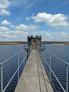 Warland Reservoir, such a cool picture