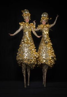 The Silver Belles - Stilt Walkers | London| UK #silver stilt walkers #gold stilt…