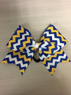 Blue and Yellow Cheer bow with White chevrons Cute Cheer Bows, Cheer Hair Bows, Cheer Mom, Cheer Stunts, Cheer Dance, Cheerleading, High School Cheer, College Cheer, Best Sister Ever