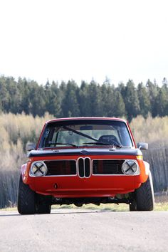 RRAAACCCCCIIIINNNGGG!!!!!! by MisterYogi on Tumblr A FO REAL RACING TEAM CREW CHIEF IN SANTA ANA, CA WITH SOME COOL BMW 2002's! 5 STARS