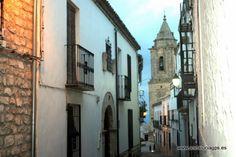 """#Jaén - #Sabiote - Paisaje de Sabiote   Coordenadas GPS: 38º 4' 12"""" -3º 18' 27"""" / 38.070000, -3.307500  Foto de @trotamundis. Sabiote es un municipio español de la provincia de Jaén, Andalucía. Situado en la comarca de La Loma, en la parte más alta de la meseta interfluvial, bordeada por el norte por el río Guadalimar y por el sur por el Guadalquivir. Se trata del tercer vértice del llamado triángulo renacentísta de La Loma, cátedra del mejor renacimiento junto con Baeza y Ubeda."""