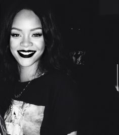 Rihanna Face, Rihanna Riri, Rihanna Style, Skater Girl Outfits, Rocker Girl, Bad Girl Aesthetic, Bad Gal, Aesthetic Makeup, Black Is Beautiful