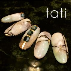 Japanese nail art by tati : Opalescent marble with gold Fancy Nails, Trendy Nails, Bling Nails, Japan Nail, Japanese Nail Art, Cute Nail Art, Hot Nails, Nail Art Hacks, Gorgeous Nails