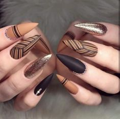 77 besten Stiletto Nail Art Designs 2019 - Beste T Bling Stiletto Nails, Fancy Nails, Cute Nails, Pretty Nails, Nails & Co, Hair And Nails, Gel Nails, Nail Polish, Gorgeous Nails
