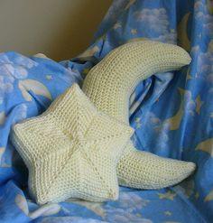 twinkle, twinkle, moon and star pillow free crochet pattern