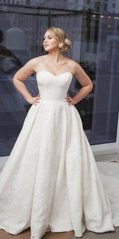 33 Plus-Size Wedding Dresses: A Jaw-Dropping Guide Plus-Size Wedding Dresses: A Jaw-Dropping Guide ❤︎ Wedding planning ideas & inspiration. Wedding dresses, decor, and lots more. Country Wedding Dresses, Bridal Wedding Dresses, Bridesmaid Dresses, Messy Wedding Hair, One Shoulder Cocktail Dress, Sheath Wedding Gown, Wedding Dress Pictures, Plus Size Wedding, Ball Gowns