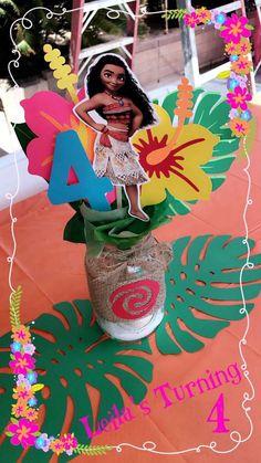 Fun Birthday Party Themes for Kids Moana Birthday Ideas Moana Birthday Party Theme, Moana Themed Party, Birthday Party Centerpieces, Moana Party, Luau Party, Hawaiian Birthday, Luau Birthday, 2nd Birthday Parties, Girl Birthday