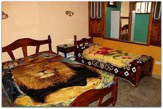Detalle de la habitación 2. Cuba, Patio Interior, Prado, Trinidad, Bed, Table, Furniture, Home Decor, Decoration Home