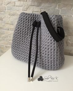 8,778 Followers, 834 Following, 561 Posts - See Instagram photos and videos from Şule (@sulekoc.krsmnglu) Crochet Fabric, Crochet Tote, Crochet Handbags, Crochet Purses, Crochet Doilies, Crotchet Bags, Knitted Bags, Big Bags, Cute Bags