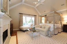 Absolutely head over heels for the ceiling in this bedroom.