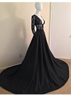 USD$159.00 - 2015 Sexy Black Lace Prom Dress Long Sleeves V-neck A-line Womens Evening Party Gowns - www.27Dress.com