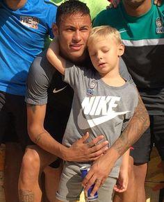 Neymar and Davi Lucca Neymar Son, Cute Blonde Boys, Abs Boys, Ballet Boys, Kids Photography Boys, Lace Dress Styles, Young Cute Boys, Man Smoking, Kids Fashion Boy