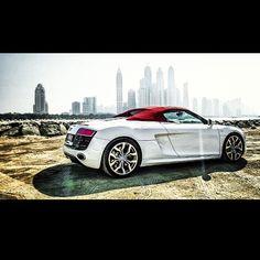 Audi R8 Convertible – Big City Player