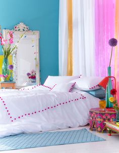 Pom Pom King Duvet | Accessorize / colourful bedroom - cool for kids room or teen room. bright blue - pink
