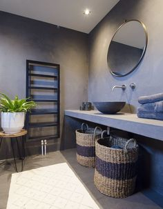 remodeling ideas bathroom is definitely important for your home. Whether you choose the bathroom remodel tips or dyi bathroom remodel, you will create the best small bathroom storage ideas for your own life. Bathroom Interior Design, Home Interior, Interior Paint, Interior Ideas, Bad Inspiration, Bathroom Inspiration, Bathroom Ideas, Shelves In Bedroom, Bathroom Shelves