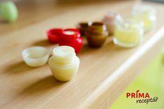 FOTOPOSTUP: Výroba domácího balzámu na rty – Príma receptář.cz Pudding, Desserts, Food, Tailgate Desserts, Deserts, Custard Pudding, Essen, Puddings, Postres