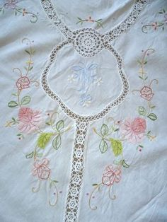 Vintage tablecloth.  Perfect for the party with white linen napkins plain or embroidered.