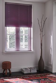 Varioflex , a smart Venetian blind from Luxaflex,  puts you in full control. The blind is divided into two parts and each part can be controlled separately, allowing you to determine the desired amount of light and privacy.