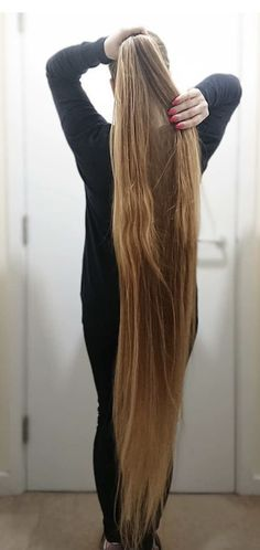 Long Ponytail Hairstyles, Long Hair Ponytail, Long Ponytails, Cool Hairstyles, Really Long Hair, Super Long Hair, Beautiful Long Hair, Simply Beautiful, Rapunzel Hair