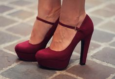 the perfect red pumps