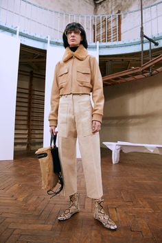 Catwalk photos and all the looks from Acne Studios - Pre Autumn/Winter Ready-To-Wear New York Fashion Week Fall Fashion 2016, Fashion Mode, Fashion Week, Fashion Show, Autumn Fashion, Womens Fashion, Fashion Trends, Acne Studios, Fall Collection