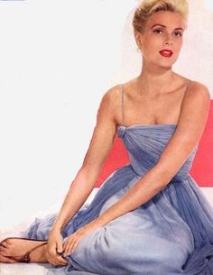 Grace Kelly in a dress designed by Edith Head for Hitchcock's To Catch a Thief.