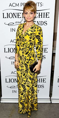04/03/12: #NicoleRichie looked ever the #FashionStar in her stylish printed design. http://www.instyle.com/instyle/celebrities/lotdpopup/0,,20584032_21142038,00.html