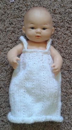 Knit doll nightgown free pattern – The Clutter Removing Erythrocyte Knitting Patterns Free, Free Knitting, Baby Knitting, Free Pattern, Crochet Patterns, Knitted Baby, Spool Knitting, Free Crochet, Knit Crochet