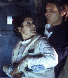 Han Solo and Princess Leia embrace from Star Wars The Empire Strikes Back Star Wars Rebels, Han Star Wars, Star Wars Cast, Star Wars Love, Star War 3, Carrie Fisher, Saga, Harrison Ford, Princesa Leia