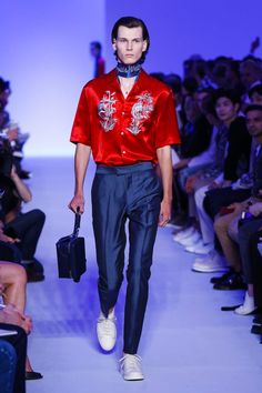 Louis Vuitton Menswear Spring Summer 2016 Paris - NOWFASHION
