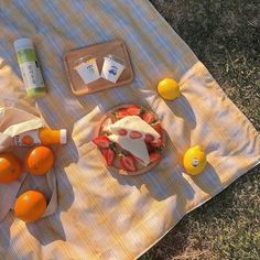 Summer Aesthetic, Aesthetic Food, Aesthetic Photo, Aesthetic Pictures, Picnic Date, Summer Picnic, Comida Picnic, Eat This, Think Food
